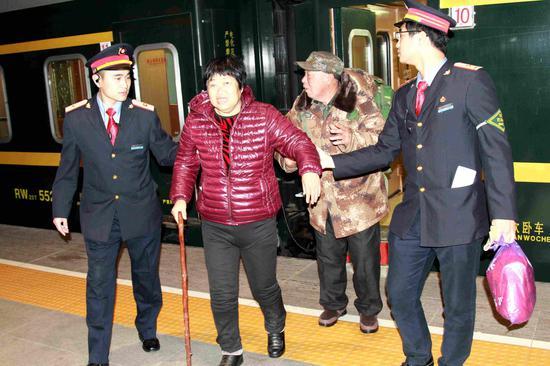 邯郸工务段扶助盲人旅客
