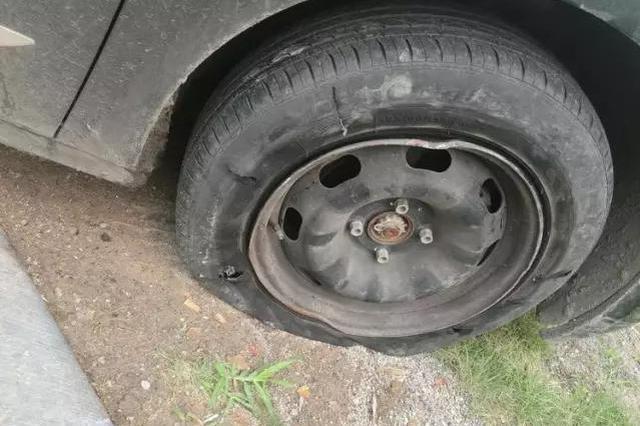 石家庄一男司机车轮爆胎仍疾驶 竟然是因为喝多了