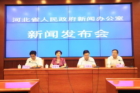 2017年上半年人社惠民政策推进情况新闻发布会现场