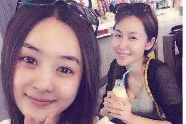 赵丽颖和闺密素颜泰国游 网友:这不是那个谁嘛!