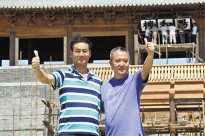 牛铁军、李武林两人竖起了大拇指。