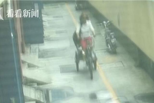 女子偷三轮车狂蹬25里地逃跑 速度比电动车都快