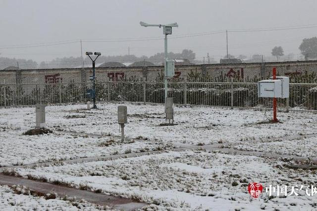 河北张家口尚义迎来2017下半年初雪