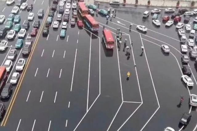 """河北""""最复杂路口""""绕晕老司机"""