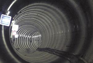 ■隧道贯通。