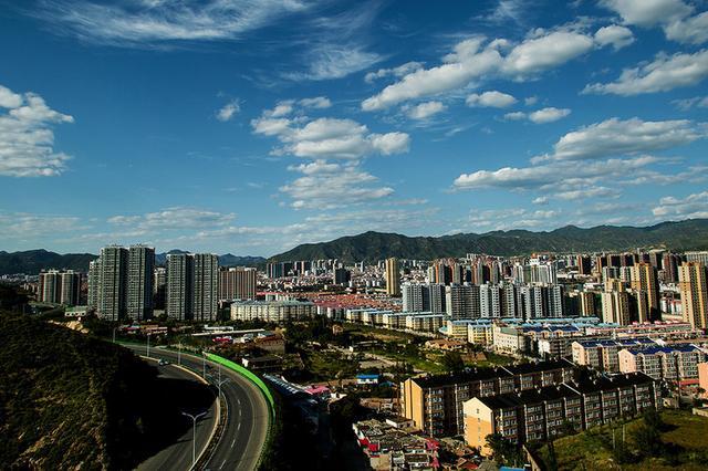 张家口市31个项目列入省重点项目 总投资240.5亿元