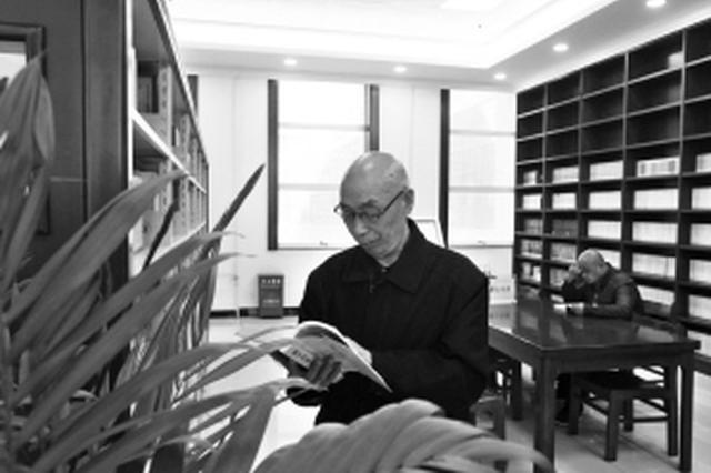 石家庄市图书馆借阅排行榜 七旬大爷一年借书395册