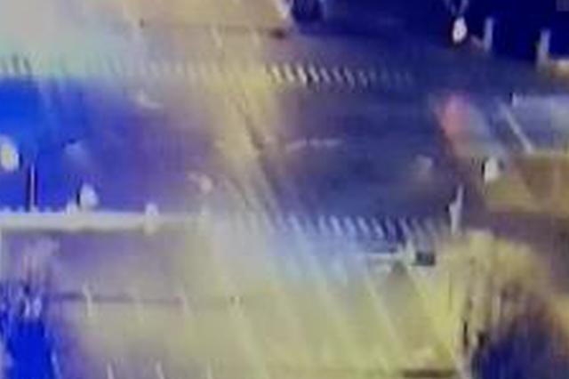 唐山闯红灯逆行非机动车引发事故将负全责
