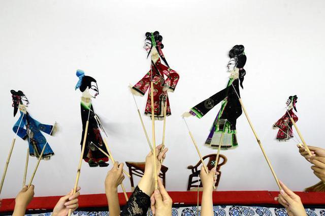 """河北乐亭:""""非遗""""皮影文化进校园"""
