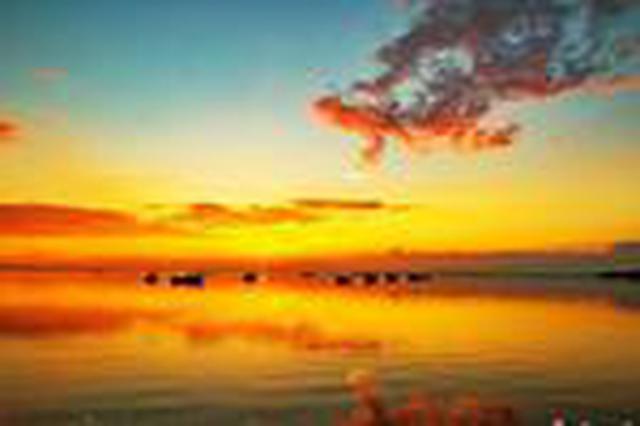 中国最大淡水湖鄱阳湖现绚丽晚霞