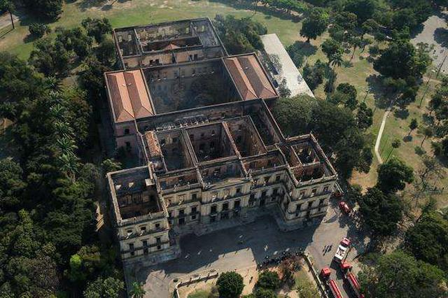 """巴西国博废墟现头骨化石 或为镇馆之宝""""卢西亚"""""""
