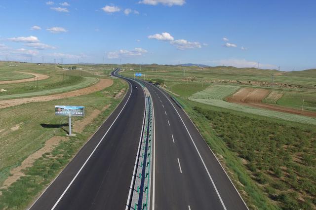 """河北:明年年底前干线公路沿线广告设施""""清零"""""""