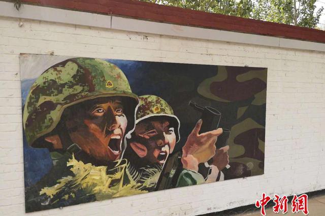 惊艳!这些栩栩如生的壁画出自90后战士之笔
