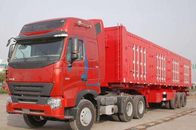 沧州:载人大货车被民警截停 司机刚报了驾校