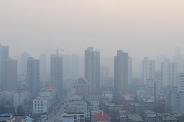 """京津冀""""抗霾""""方案公布 企业实行差别化错峰生产"""
