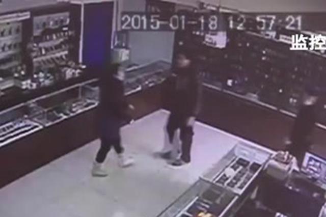 邯郸一女店主遭殴打 牵出涉黑团伙