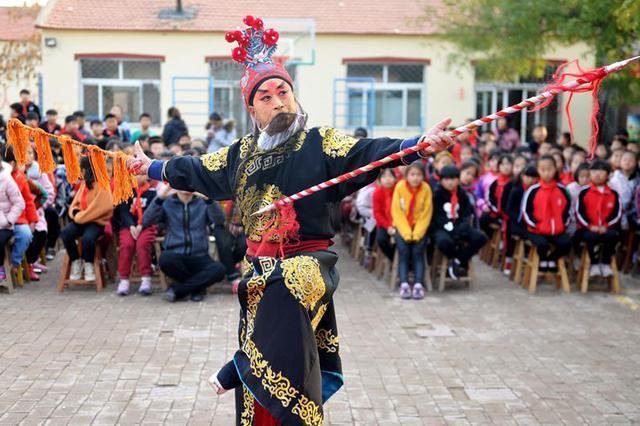 沧县:戏曲文化进校园
