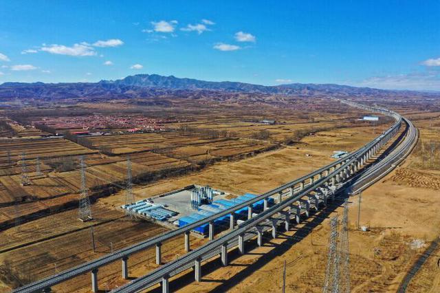 大张高铁线下工程完工 年底将衔接京张高铁