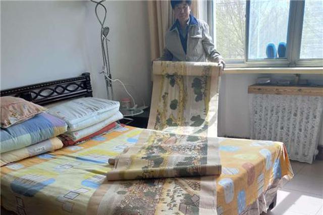 退休大爷绣出《清明上河图》 耗时5年绣品长达22米