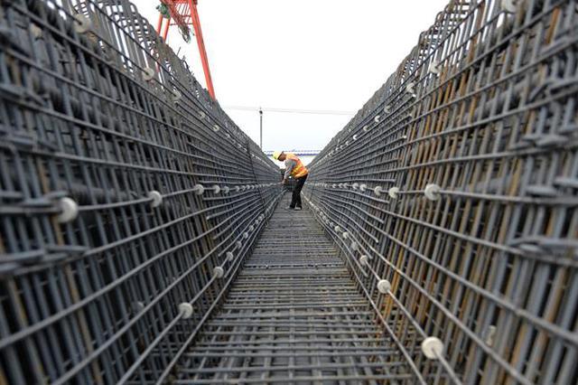 北京新机场北线高速公路廊坊段施工正酣