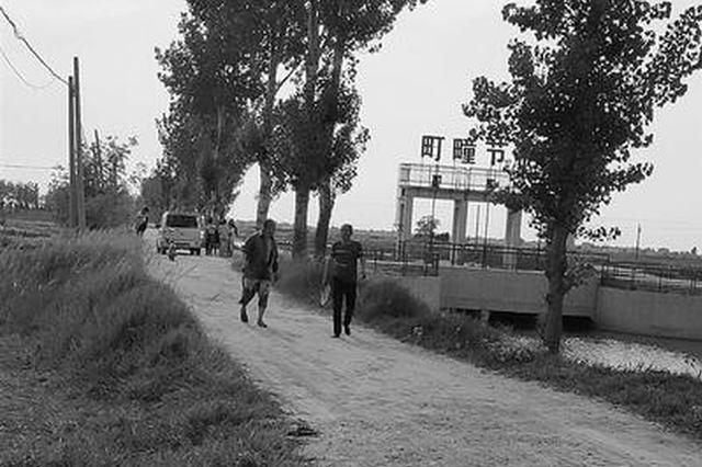 沧县三名路人救起俩女孩 救人后默默离开