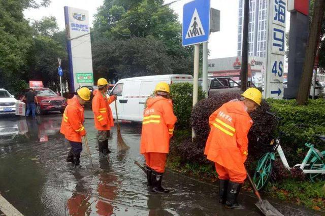 河北城市暴雨实行四级预警 蓝黄橙红