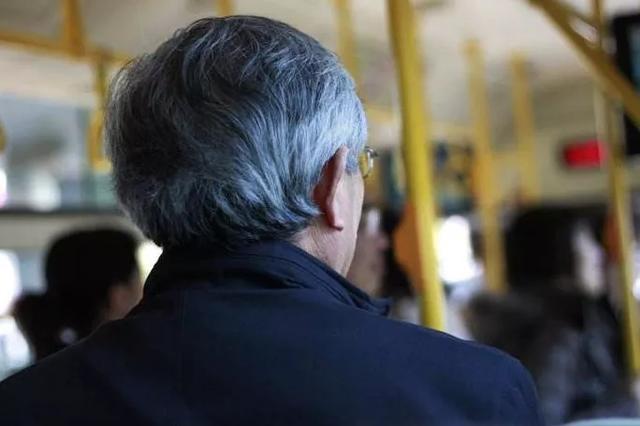 石家庄65周岁以上老年人年底能免费乘坐公交车了