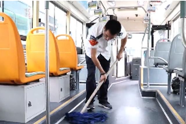 公交司机李建国:赶上新时代 奋斗正当时!