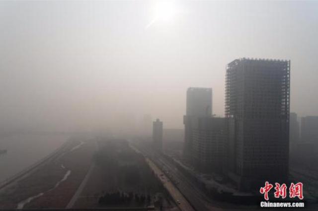 中国晋冀鲁豫等地出现重污染