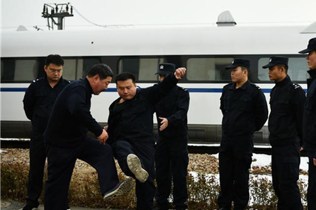 河北:石家庄乘警支队开展春运练兵活动