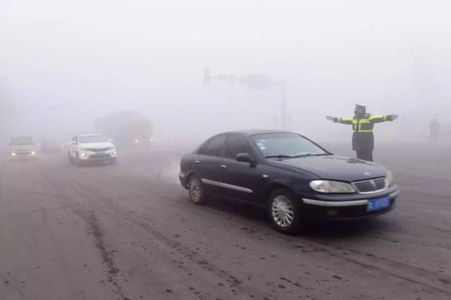 受大雾影响 七省数十条高速公路局部路段封闭