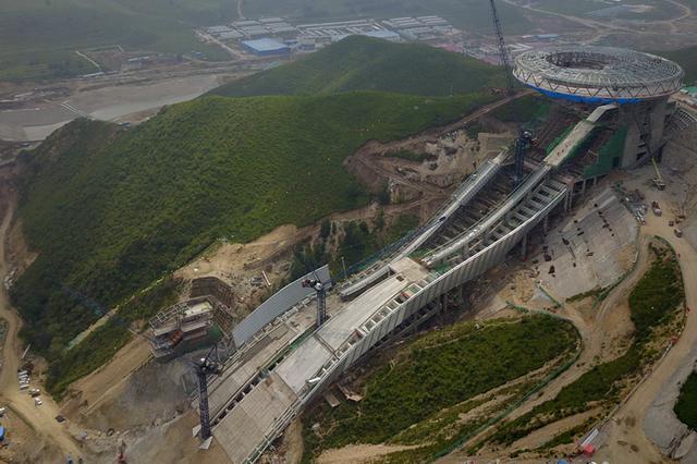 今年北京冬奥会北京、延庆、张家口赛区竞赛场馆都将建成