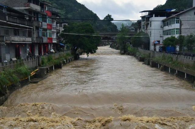 未来三天雷阵雨频出没 局地谨防强对流注意防范地质灾害