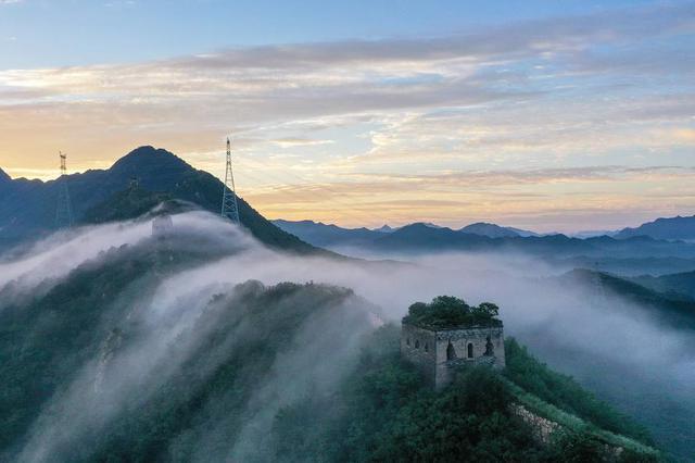 河北唐山:长城云雾飘渺美如仙境