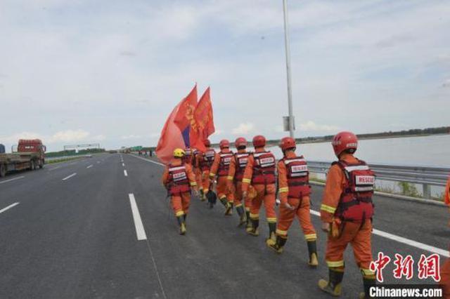 """河北消防员驰援黑龙江抗击""""海神""""后转战吉林"""