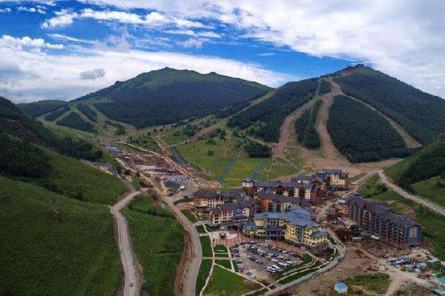 冬奥会张家口赛区:国家冬季两项中心和国家越野滑雪中心完工