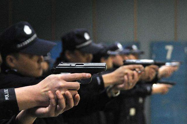 公安部组织在153个城市集中销毁非法枪爆物品
