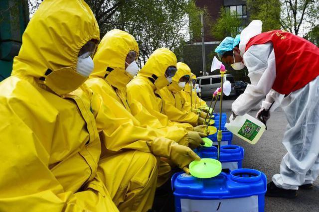 河北武安:3700余名大学生做起疫情防控志愿者