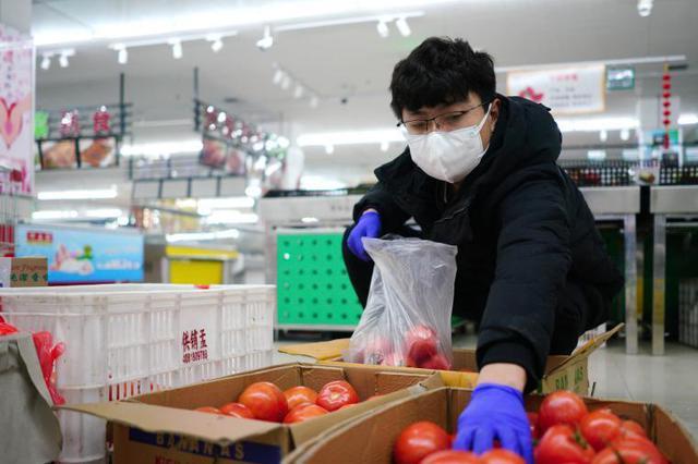 """河北南宫:""""标准包""""配送 保障居民生活需求"""