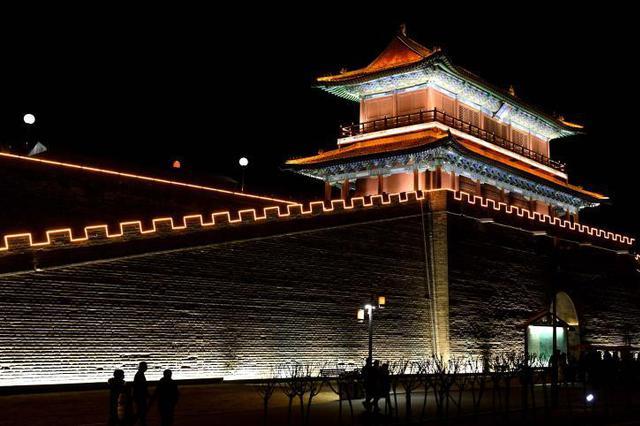 河北正定:春节假期古城夜色美
