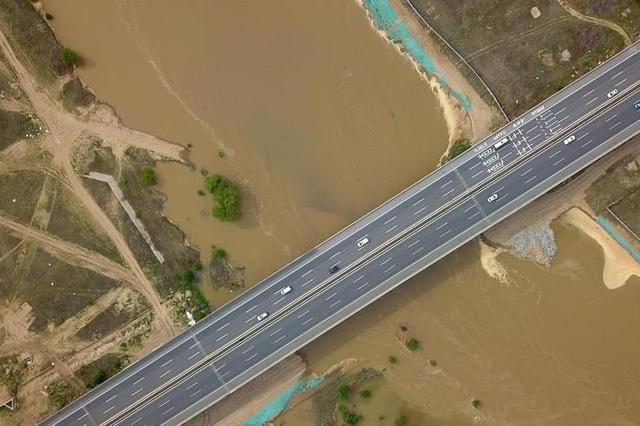 春节假期全省高速公路免收通行费1.65亿元