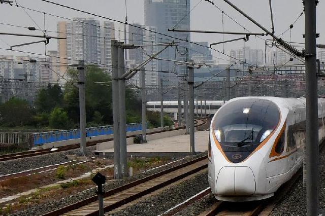 哈铁恢复增开59列旅客列车 服务复工复学旅客