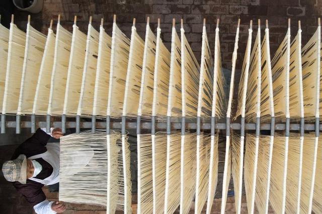 河北新河:手工挂面促农增收