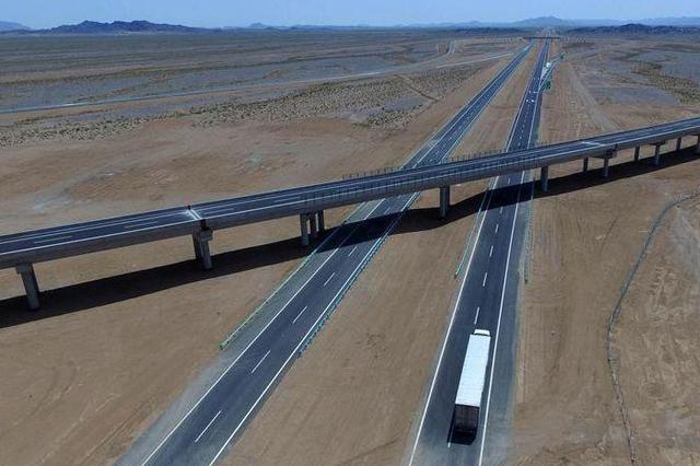 5月通车!京德高速启动路面铺筑最后一道工序