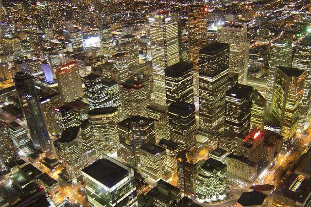 发改委:城区常住人口300万以下城市全面取消落户限制