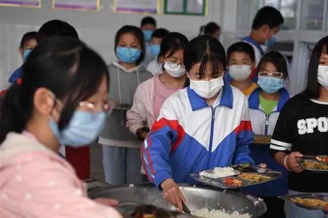 邯郸:今年秋季学期开始主城区83所小学将开展午餐供应