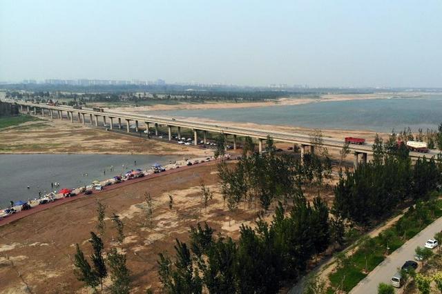 石家庄:滹沱河生态修复三期工程正式通水