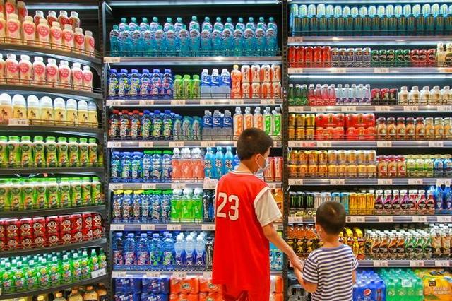 """美味食品隐藏""""三高""""风险 专家倡议推动食品包装正面标识"""