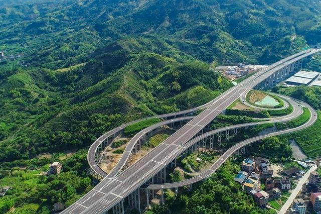 免费时段前上高速是否收取通行费?