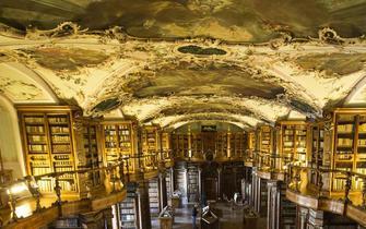 瑞士圣加仑修道院图书馆